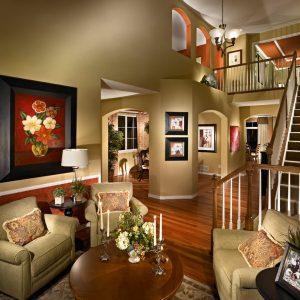 بازسازی منزل با کاغذ دیواری ، پارکت لمینت و قرنیز